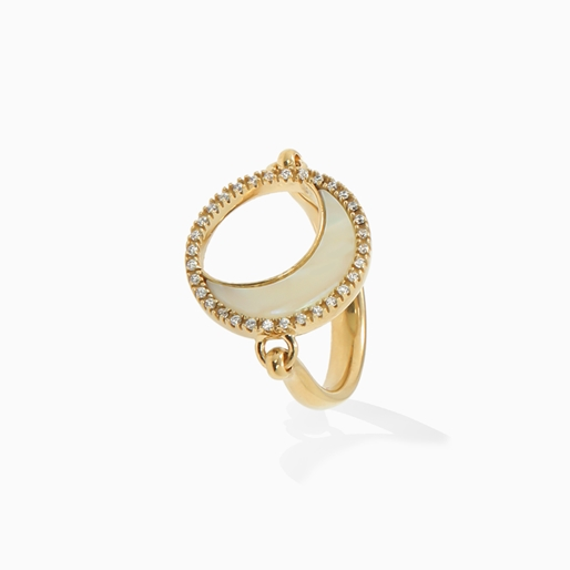 Celestial Glow ασημένιο 925° δαχτυλίδι με 18K κίτρινη επιχρύσωση, μοτίφ φεγγαριού με ιβουάρ ιριδίζον ακρυλικό και διάφανες κρυστάλλινες πέτρες-