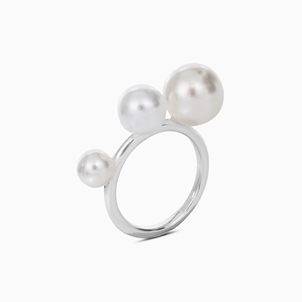 The Pearl Effect silver plated brass ring with white shell coated The Pearl Effect -
